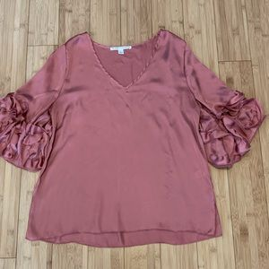 Violet + Claire blush pink silky blouse top 25B1